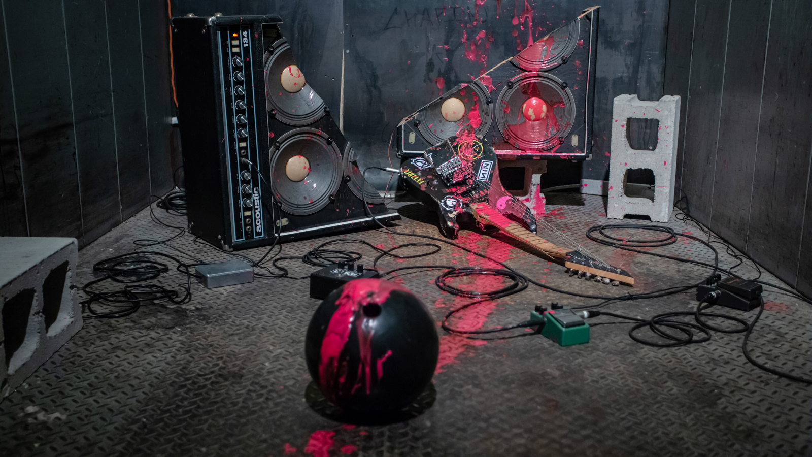 Persistent Teenage Gestures. Mixed-media installation. 2018. ~180cm x 220cm x 160cm. Electric guitar, amplifier, bowling ball, guitar pedals, electronics, pink paint. Photo by Emily Gan.