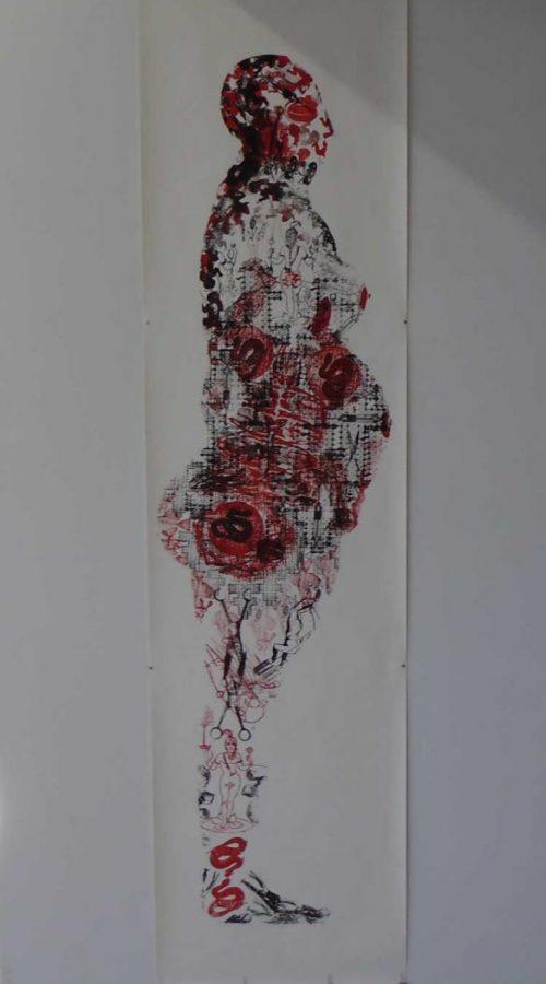 """Deux femmes debout, 1994. Impression tampon encreur 83"""" X 21'' (210 x 53 cm). Exposition in situ : Red Figure, Mercer Community College, Trenton (New Jersey, États-Unis). Collection de l'artiste.  © François Morelli. Photographie : Guy L'Heureux."""